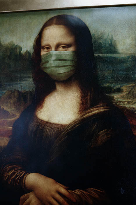 Mona Lisa wearing a COVID mask